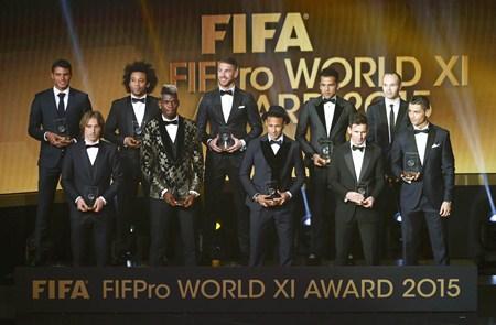 รายชื่อทีมยอดเยี่ยม ประจำปี 2015 ฟีฟา ฟิฟโปร XI 2015