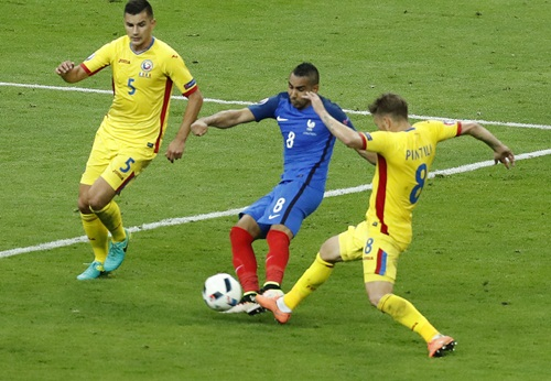 ฝรั่งเศส หืดจับชนะโรมาเนีย แบบหวุดหวิด 2-1