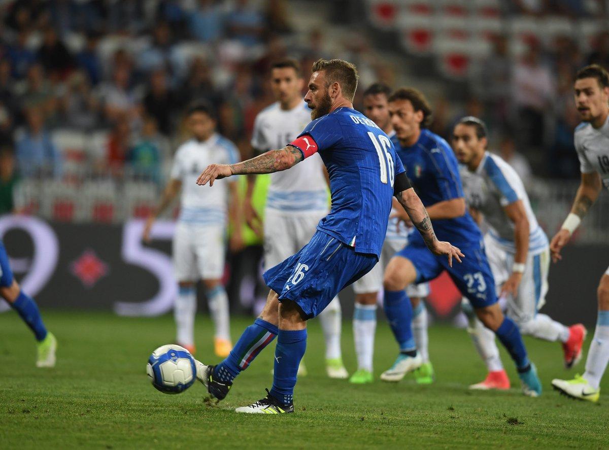 อิตาลี 3-0 อุรุกวัย